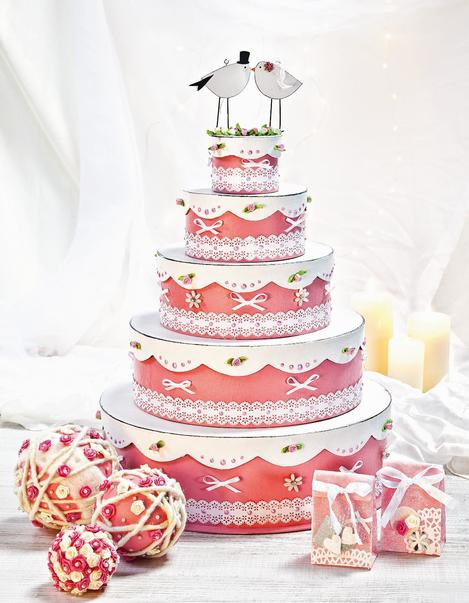 Anleitung Fur Eine Selbstgebastelte Hochzeitstorte Vbs Hobby